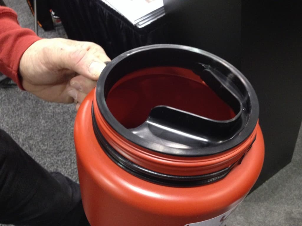 "Ulano's New Pouring Container ""Pro-Flo"" for Emulsion - neater and less bubbles, a brilliant simple idea."