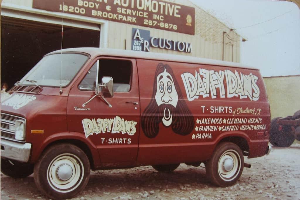 daffy-dans-van